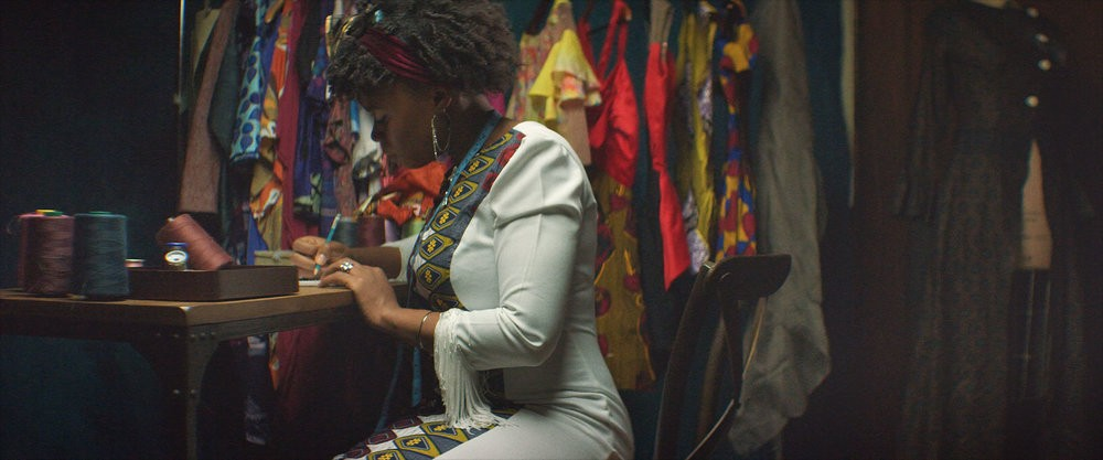 درآمد طراح لباس در کشورهای مختلف و بررسی فاکتور مؤثر بر افزایش درآمد